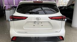 Toyota Highlander Luxe 2021 года за 35 500 000 тг. в Алматы – фото 4