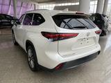 Toyota Highlander Luxe 2021 года за 35 500 000 тг. в Алматы – фото 5