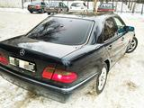 Mercedes-Benz E 320 1996 года за 2 700 000 тг. в Павлодар – фото 5