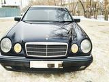 Mercedes-Benz E 320 1996 года за 2 700 000 тг. в Павлодар – фото 2