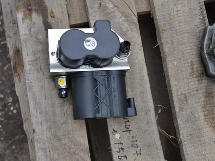 Блок клапанов гидроподвески ABC на мерседес S500 W222 за 3 000 тг. в Алматы – фото 2
