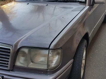 Mercedes-Benz E 280 1994 года за 1 600 000 тг. в Шымкент – фото 2