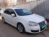 Volkswagen Jetta 2010 года за 4 000 000 тг. в Алматы – фото 2