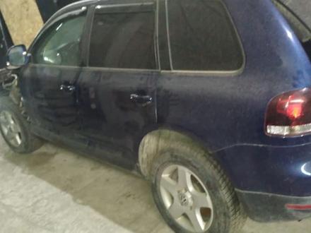 Блок предохранителя на Volkswagen Touareg за 10 000 тг. в Алматы – фото 2