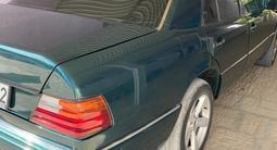 Mercedes-Benz E 200 1992 года за 1 150 000 тг. в Жанаозен – фото 3