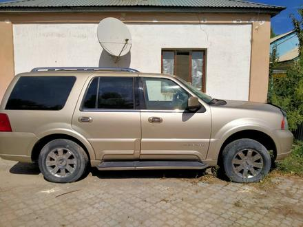 Lincoln Navigator 2003 года за 3 000 000 тг. в Кызылорда – фото 4