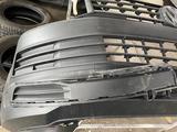 Вставки на передний бампер на Volkswagen T6 за 9 000 тг. в Алматы