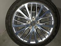 Родной диск с шиной (запаска) тойота камри 70 (toyota camry) r18 за 110 000 тг. в Алматы