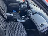 Chevrolet Cruze 2012 года за 2 800 000 тг. в Уральск – фото 4