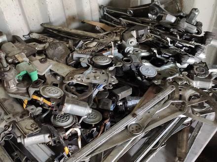 Механизм стеклоподъёмника на Тойота 150, 120 за 10 000 тг. в Алматы