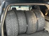 Диски с резиной Тойота Лэнд Круйзер зимние за 250 000 тг. в Алматы – фото 3