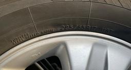 Диски с резиной Тойота Лэнд Круйзер зимние за 250 000 тг. в Алматы – фото 5