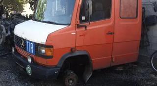 Мерседес D711 дупель кабина с Европы в Караганда