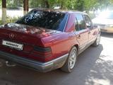 Mercedes-Benz E 260 1988 года за 1 050 000 тг. в Караганда – фото 3