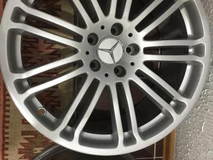 Диски r19 Mercedes за 200 000 тг. в Алматы – фото 3