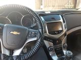 Chevrolet Cruze 2015 года за 4 000 000 тг. в Атырау – фото 3