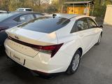 Hyundai Elantra 2021 года за 9 519 000 тг. в Алматы – фото 3