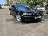 BMW 735 1999 года за 4 200 000 тг. в Алматы