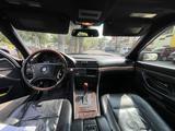 BMW 735 1999 года за 4 200 000 тг. в Алматы – фото 3