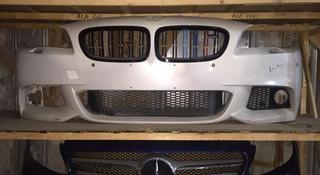 Решетка радиатора BMW m5 f10 (ноздри) за 50 000 тг. в Алматы