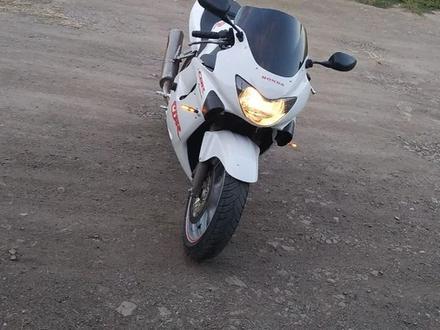 Honda  CBR 600 f4 2000 года за 1 300 000 тг. в Лисаковск