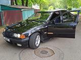 BMW 320 1994 года за 1 700 000 тг. в Алматы – фото 3
