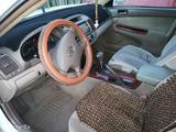 Toyota Camry 2003 года за 3 600 000 тг. в Усть-Каменогорск – фото 2