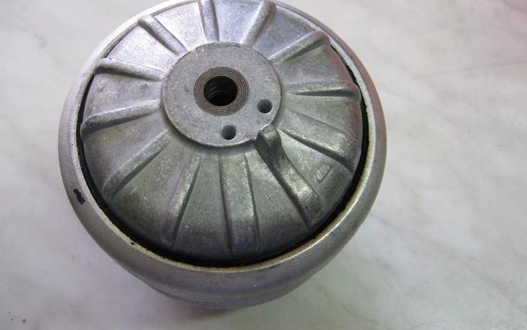 Подушка двигателя Мерседес W124 W190 за 5 200 тг. в Петропавловск