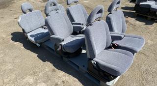 Комплект сидений на Мицубиси делику булку за 200 000 тг. в Алматы