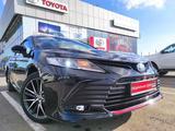 Toyota Camry 2021 года за 15 789 600 тг. в Уральск