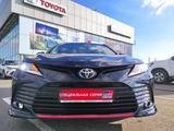 Toyota Camry 2021 года за 15 789 600 тг. в Уральск – фото 2