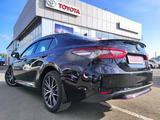 Toyota Camry 2021 года за 15 789 600 тг. в Уральск – фото 3
