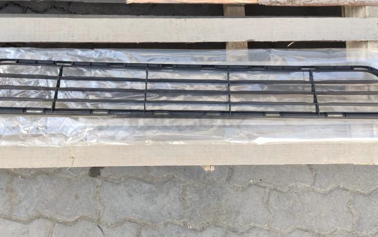 Решетка в бампер на Lexus LS за 25 000 тг. в Алматы