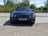 Mercedes-Benz E 240 1999 года за 3 000 000 тг. в Караганда – фото 2