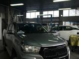 Фэйслифт (передний бампер тюнинг) на Toyota Hilux Revo 2016 +… за 250 000 тг. в Актау – фото 4
