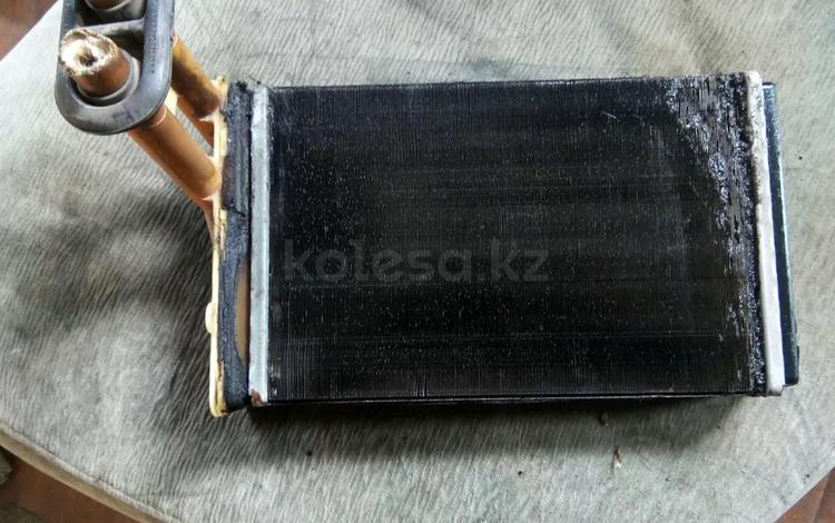 Радиатор печки на Ауди 80 за 10 000 тг. в Алматы