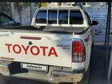 Toyota Hilux 2020 года за 21 000 000 тг. в Жанаозен – фото 4