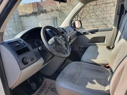 Volkswagen Transporter 2011 года за 6 500 000 тг. в Шымкент – фото 2
