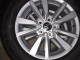 Диски Toyota Оригинал с шинами Yokohama 205/65/16 за 400 000 тг. в Семей – фото 2