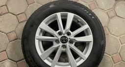 Оригинальные диски с резиной на Toyota Camry 70 за 250 000 тг. в Алматы – фото 3