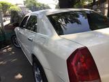 Chrysler 300C 2006 года за 3 400 000 тг. в Алматы – фото 2