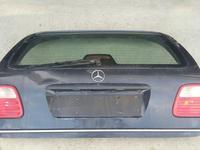 Мерседес W210 универсал за 30 000 тг. в Актобе