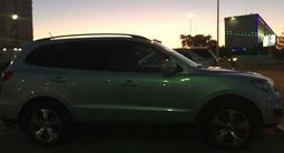 Hyundai Santa Fe 2011 года за 6 700 000 тг. в Актау – фото 2