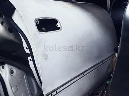 Двери привозные на тойоту Марк. Чайзер 90 кузов за 555 тг. в Алматы – фото 3