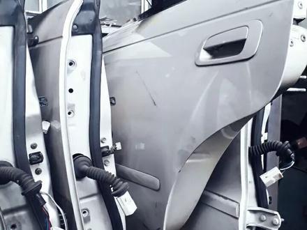 Двери привозные на тойоту Марк. Чайзер 90 кузов за 555 тг. в Алматы – фото 4