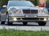 Mercedes-Benz E 320 1996 года за 3 200 000 тг. в Тараз