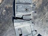 Защитки боковые двигателя на Митсубиси за 5 000 тг. в Караганда
