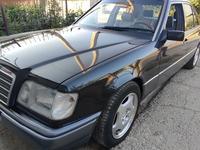 Mercedes-Benz E 280 1993 года за 2 700 000 тг. в Шымкент