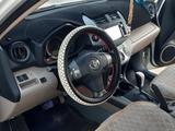 Toyota RAV 4 2006 года за 5 200 000 тг. в Актау – фото 2