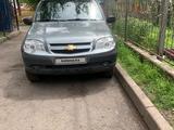 Chevrolet Niva 2011 года за 2 200 000 тг. в Алматы – фото 4